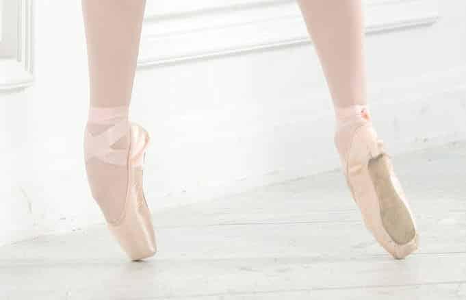 Как да се грижим за балетните си обувки